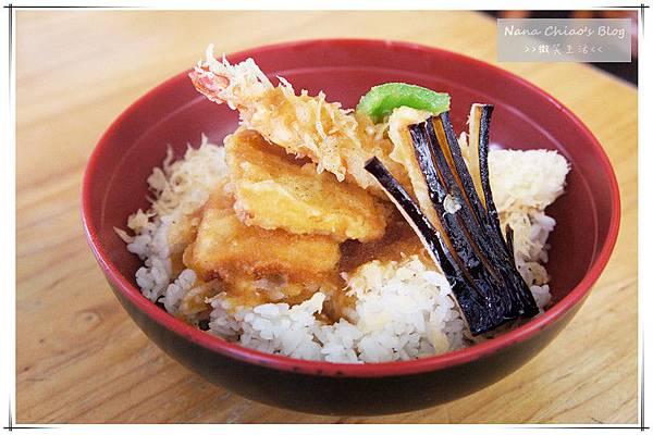 二禾井平價日本料理16.jpg