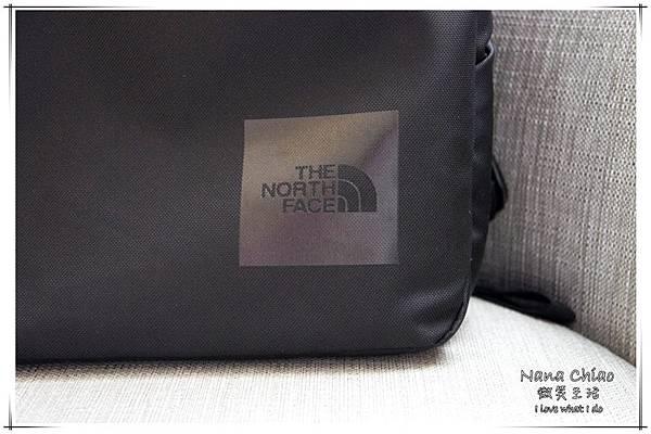 THE NORTH FACE- Shuttle Daypack NM81602-防水筆電包03.jpg