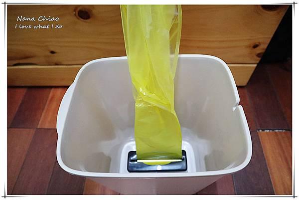 自動抽換袋式懶人彈壓垃圾桶07.jpg