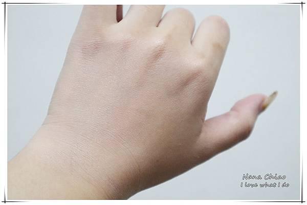 BLANBLVN-3D 乳霜光澤唇釉+五色修片皇后粉霜04.jpg