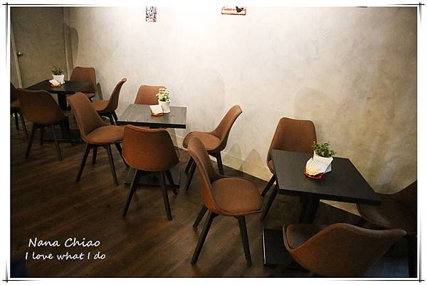 台中西區音樂酒吧Wu La La04.jpg