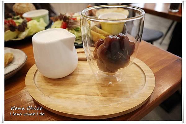 台中早午餐-寵物友善餐廳-柴田生活11.jpg