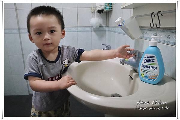 白博士抗菌系列-抗菌洗手乳+抗菌濕巾02.jpg