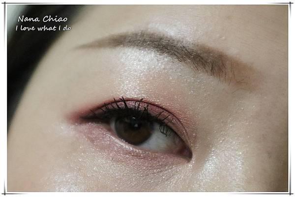 CHER都會彩妝-叢林冒險八色眼影盤+睛綻抗暈卡式眼線液筆48.jpg