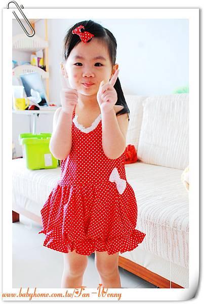 縫紉獨家設計作品~露背可愛小洋裝+髮夾