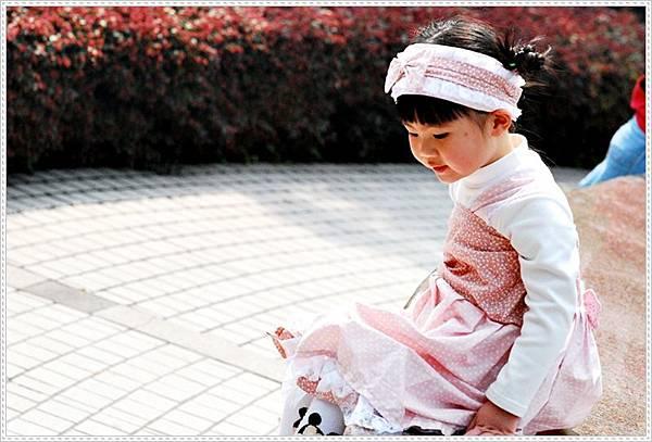縫紉獨家設計作品~髮帶+鄉村風澎裙洋裝