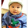 維維三個月~ 頭上是媽咪鉤的報童帽+青蛙圍巾