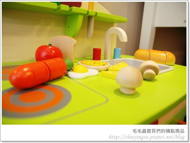 毛毛蟲寶貝們的廚房遊戲組20110717-235500.JPG