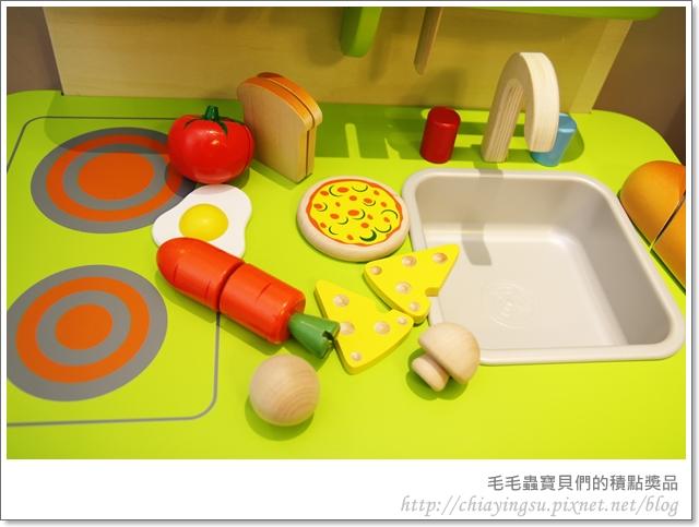 毛毛蟲寶貝們的廚房遊戲組20110717-235410.JPG