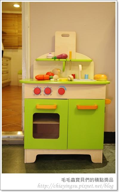 毛毛蟲寶貝們的廚房遊戲組20110717-235622.JPG