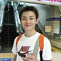 台北車站月台等車~