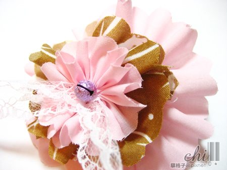 咖啡×粉紅花花髮飾 細照