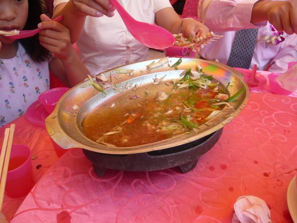吃完才想到要拍!這道於連怕腥的我都動筷囉!第一次吃到這麼鮮甜美味的魚