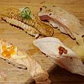 上引水產-炙燒綜合握壽司 (1)