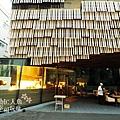 Daiwa Ubiquitous Computing Research Building Cafe-KENGO KUMA (1)