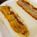 SAERA三明治專賣咖啡館-炸肉餅可樂餅拼咖哩可樂餅 (3)