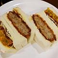 SAERA三明治專賣咖啡館-炸肉餅可樂餅拼咖哩可樂餅 (1)