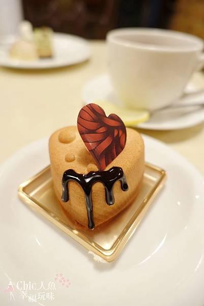 TADASHI YANAGI CAKE (13)
