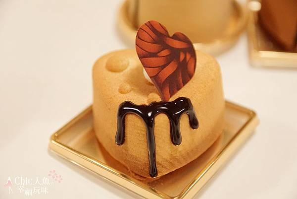 TADASHI YANAGI CAKE (7)
