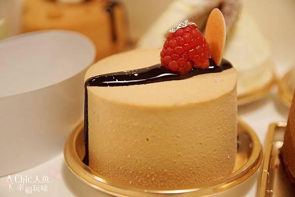 TADASHI YANAGI CAKE (5)