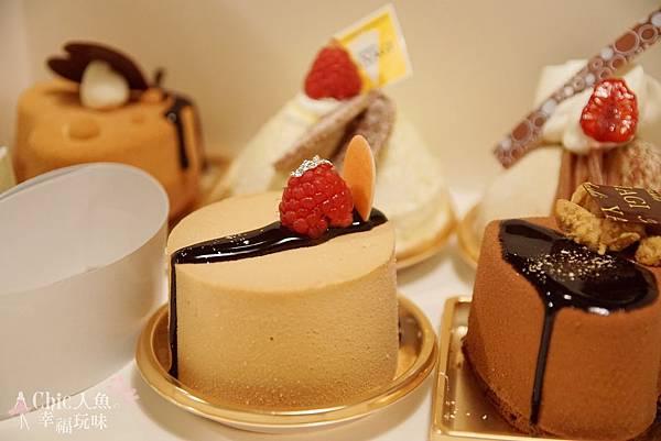 TADASHI YANAGI CAKE (3)
