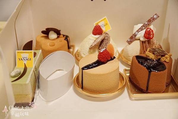 TADASHI YANAGI CAKE (2)