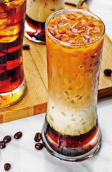 10.三色奶茶 Rich Layer Tea