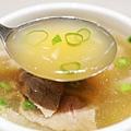 漢來-排隊美食區  -台南現沖牛肉湯 (4)