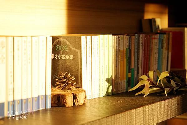 HOSHINOYA FUJI 星野虹夕諾亞-森林園區-Library Cafe (5).jpg