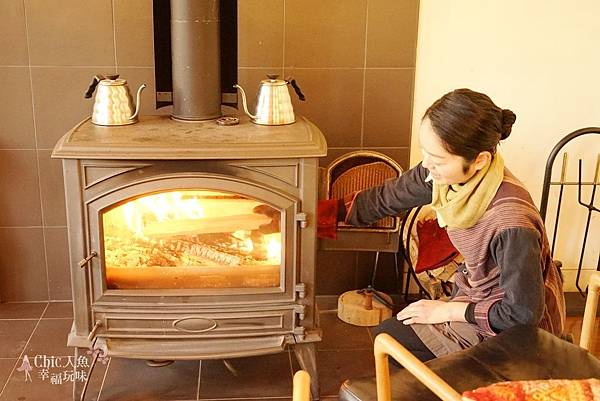 HOSHINOYA FUJI 星野虹夕諾亞-森林園區-Library Cafe (11).jpg
