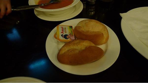 現烤麵包(001).jpg