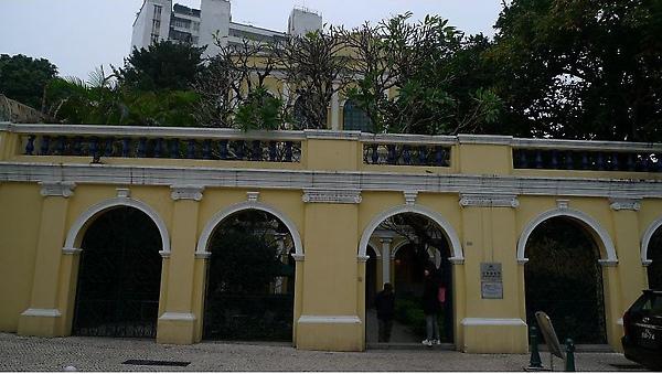 何東圖書館(001).jpg