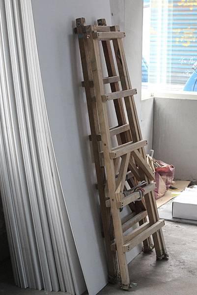 98準備木製樓梯 拷貝.JPG