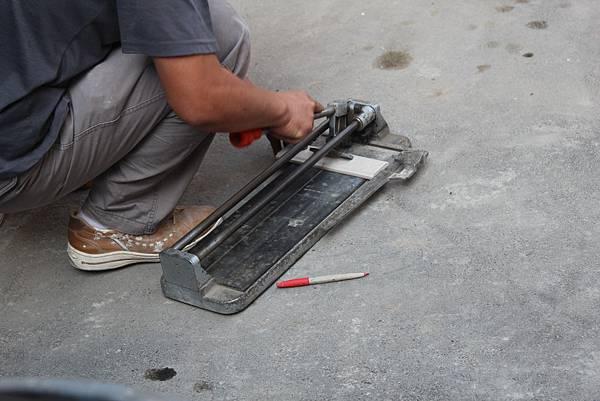 36面磚鋪貼工具磁磚切割器.JPG