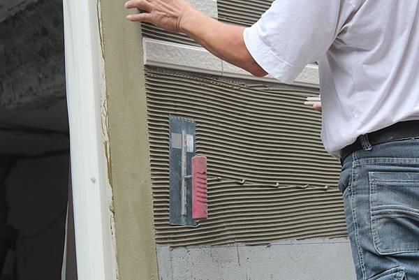 39面磚鋪貼工具磁磚鋸齒鏝刀.JPG