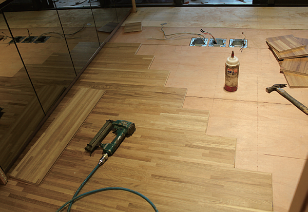 8地板釘木地板.png