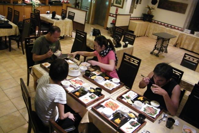 台東旅遊天龍飯店台東美食用餐環境