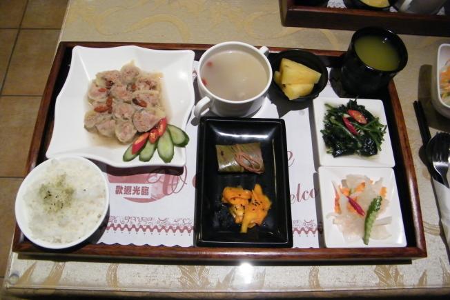 台東美食天龍飯店-刺蔥碧玉捲
