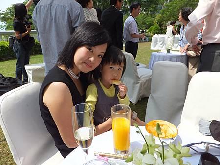 千媽咪 & Ninana(好含蓄的2人)