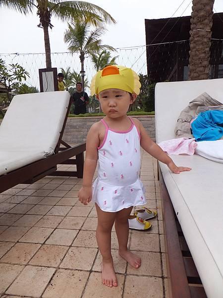 很不搭的泳帽