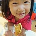 孩子愛吃鬆餅捲