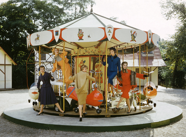 paris_models_carousel_1
