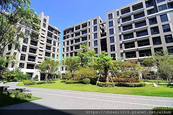 e5東大HOLA -社區中庭 (4)--.jpg