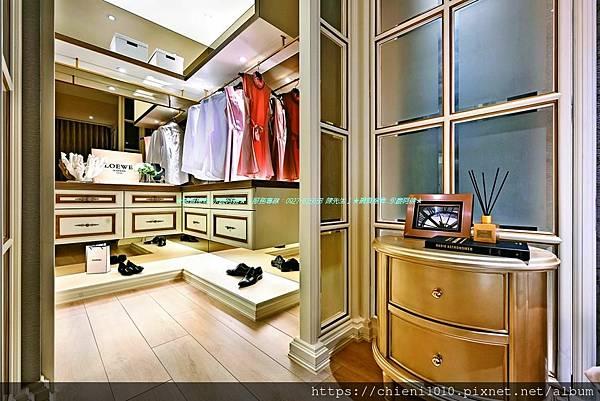 t32富宇擎天裝潢3D示意圖-臥室內可設置更衣室,提供彈性使用空間。.jpg