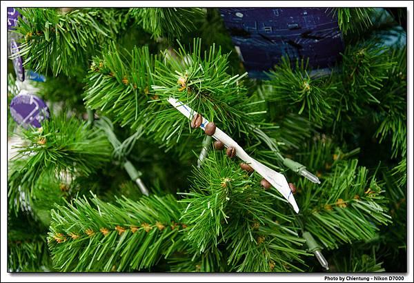 正興咖啡館前的聖誕樹造型