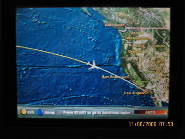 經過10小時左右終於快到LA囉