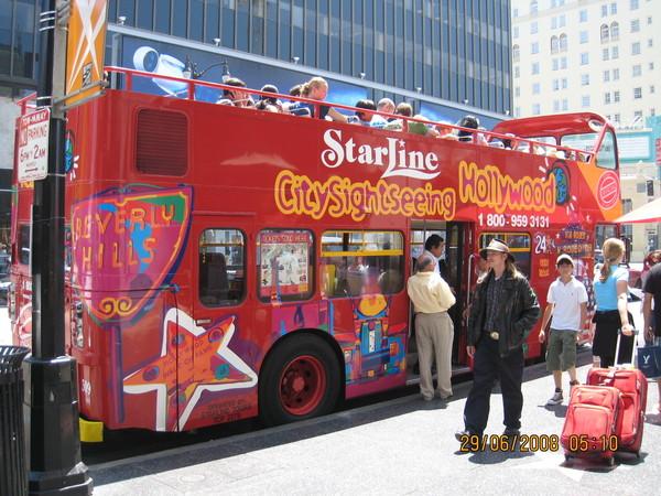 觀星巴士(Star Line)