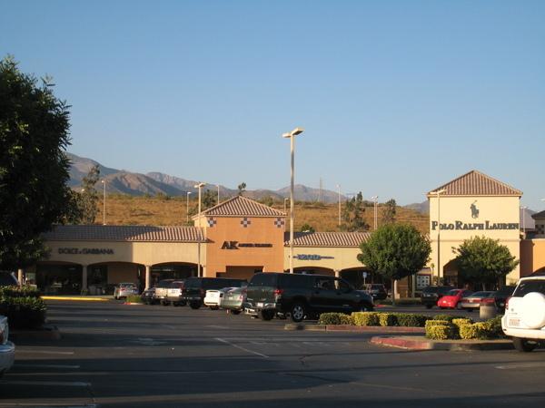 Desert Hills Outlet 店家