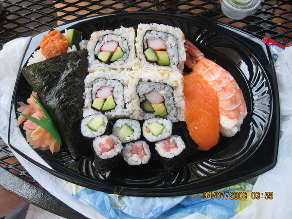 另外一位美國同事買的壽司組