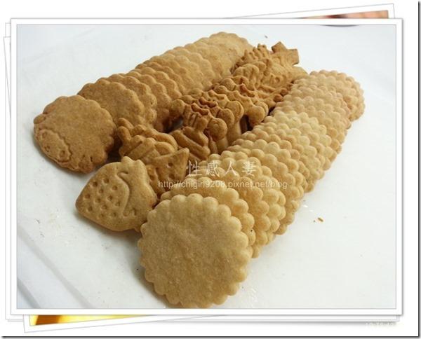 13-12-11 卡通壓模餅乾製作-14